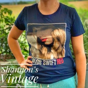 Taylor Swift Red Tour small tee A26